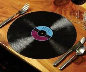 Looking to BUY your Gently Used Vinyl records best prices paid