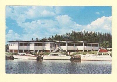 FL Venice 1977 FISHERMANS WHARF & BOATS Florida postcard to Hartford Conn