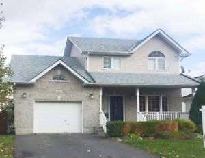 3bed+1den house (314 Grandtrunk ave east) available from Nov 1.