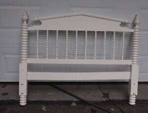 spool bed.(antique)
