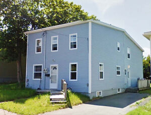2 All-Inclusive BR in 3 BR House (10 mins walking to MUN) St. John's Newfoundland image 4
