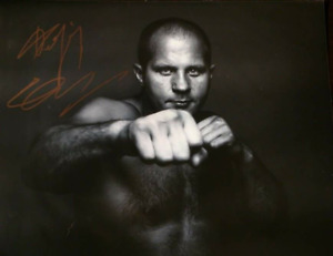 Signed UFC / MMA Photos