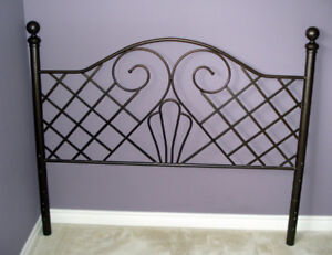 Like new Wrought iron Queen Size Bed Headboard