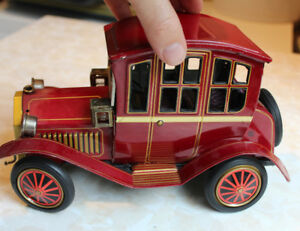 Tin Battery Operated Grand Pa Car Vintage Japan Toy Grandpa