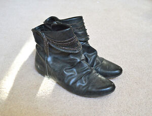Womens Black Boots Size 8.5