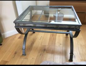 Single glass lamp table