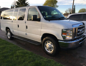 2011 Ford E-350 XLT Super Duty 15 Passenger Corporate Van