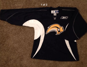 new arrival bd80a 82d8a Practice Jerseys | Kijiji in Winnipeg. - Buy, Sell & Save ...