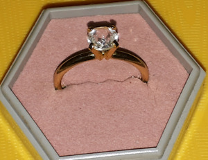Beautiful Ladies Ring up for sale
