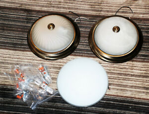 3 Ceiling Lights, Lamps - Flash Mount w. frosted glass, Good