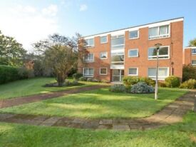 2 Bedroom Flat 0.4 miles from Walton-on-Thames Station to Let