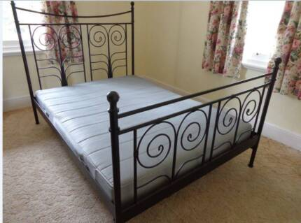 Black metail Double Bed with nice matress