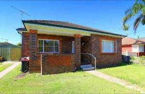 HOUSE FOR RENT IN BANKSTOWN