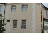 A lovely fully furnished 2 double bedroom house located on Fawcett Road available 1st September