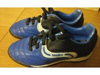 Sondico football trainers size 11