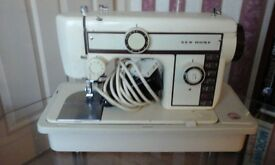 NEW WORLD BROTHER SEWING MACHINE WITH STURDY COVER & ACCESSORIES