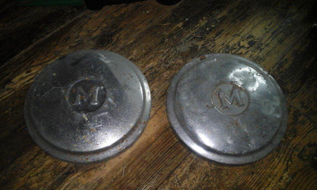 Vintage morris minor hub caps x 2