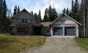 Executive home in Valleyview