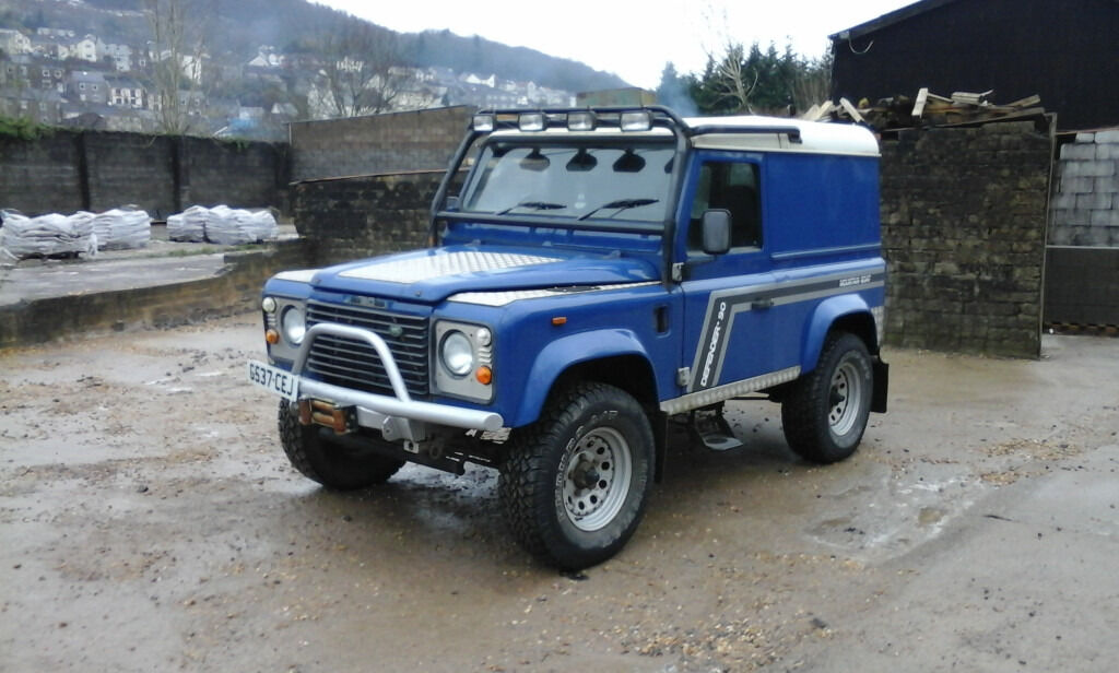 Land Rover 90 Defender 200tdi In Mountain Ash