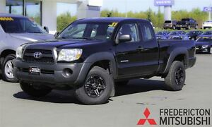 2011 Toyota Tacoma SR5! 4 CYL. 5 SPEED! ONLY 74K!