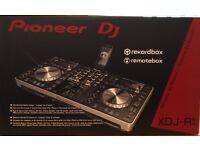 Pioneer XDJ-R1 decks