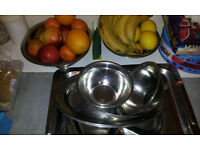 Assortment of trays and aluminiun bowls