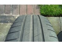 4 Steel Wheels, tyres 195/65 R15 91H and wheel trims for Seat Leon 2013