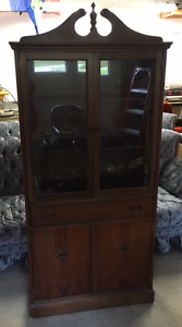 LOVELY 'PETITE' CHINA CABINET IN EXCELLENT CONDITION!!