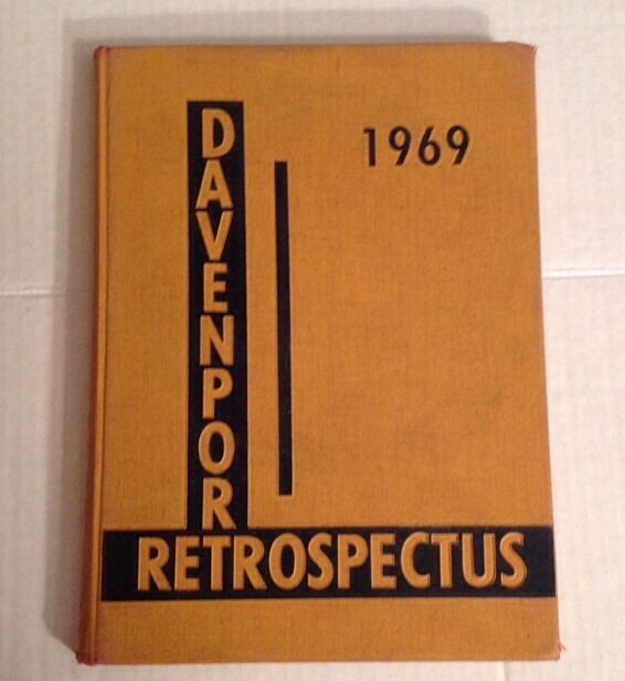 1969 Davenport College yearbook year book Grand Rapids MI Michigan