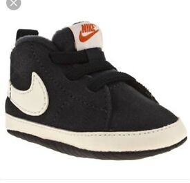 Nike baby boys shoes 6-9 months
