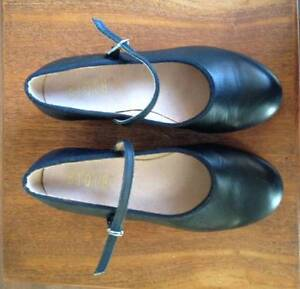 black Bloch kids tap shoes size 4 1/2 in new condition North Perth Vincent Area Preview