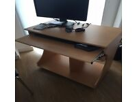 Computer Desk, Chair (£ 45 ) Very Good Condition !! ( £45 )