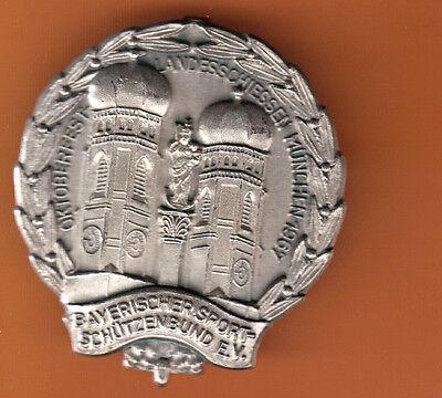MÜNCHEN-OKTOBERFEST-LANDESSCHIESSEN 1967-50 Jahre alt-NADEL- 4,4 x 4,0 cm-NA 100