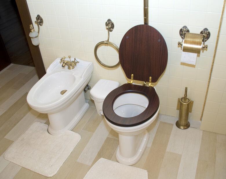 so bringen sie ein bidet fachgerecht in ihrem bad an ebay. Black Bedroom Furniture Sets. Home Design Ideas