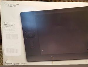 Wacom Large  Intuos5  PTH-851 Graphics Tablet