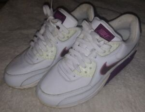 Nike Air Max Size 8.5 White and maroon purple 2005 Retro