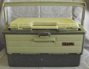 OLD PAL 3 DRAWER TACKLE BOX W/REMOVABLE TOP & TACKLE $25.00