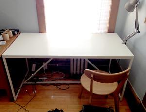 Wide work desk
