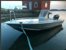Aluminium fishing ums 425 boat