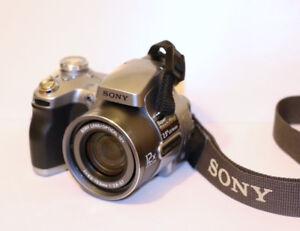 Camera SONY Cyber-shot DSC H1