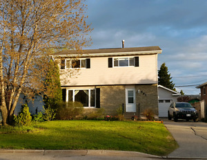 Great family home in Melrose area with 4 bdrms & detached garage