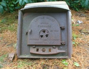 """Vintage """"Little Giant"""" Wood Furnace No. 200 """"Record Foundry,"""