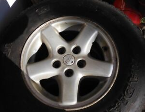 Jeep Cherokee factory rims (5x114) with all-season tires