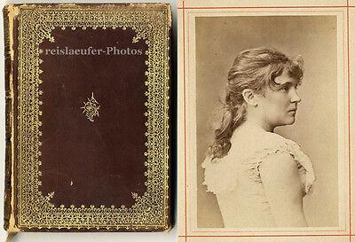 Das Münchener Hof-Schauspiel. 15 montierte Orig. Photos von Fr. Müller, 1884.