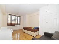 2 bedroom flat in Petres Court , Porchester Road