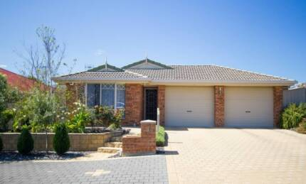 Just right - Just so. Hayborough Victor Harbor Area Preview