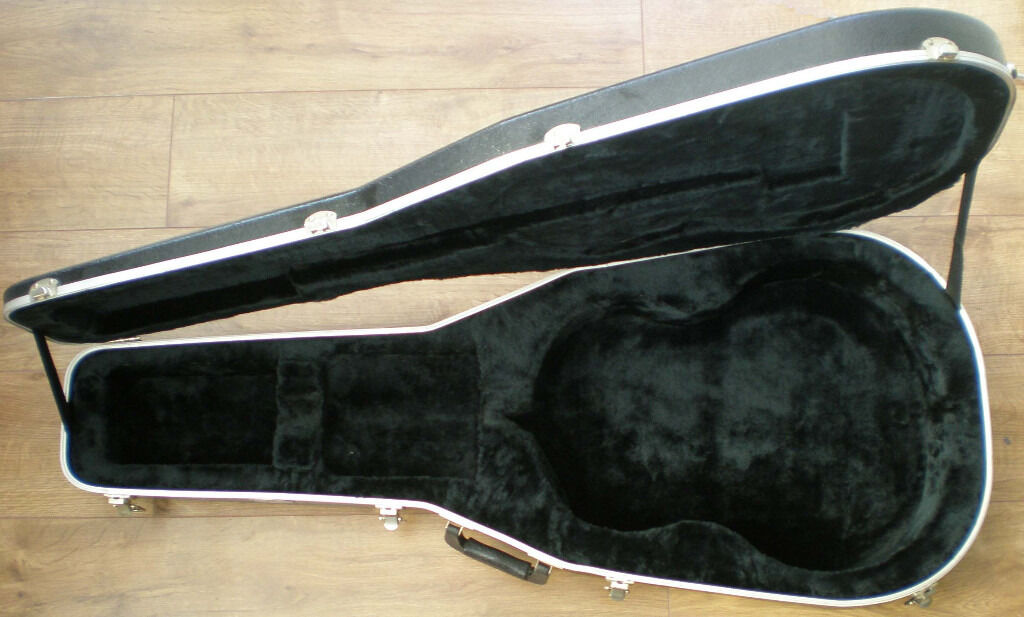 GUITAR HARD CASE TKLin Portsmouth, HampshireGumtree - GUITAR HARD CASE TKL A BIT SCUFFED DUE TO USE APPROX DIMENSIONS LOWER BOUT 38 CM UPPER BOUT 28.5 CM LENGTH 102 CM DEPTH 9 CM COLLECTION ONLY