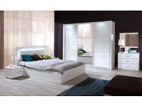 SALINAS - 5 piece bedroom furniture set with a king size bed