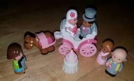 Happy Land Wedding Carriage Set ELC