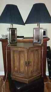 2 Lamps and   an end table